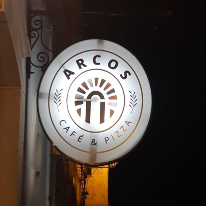 Arcos Café & Pizza